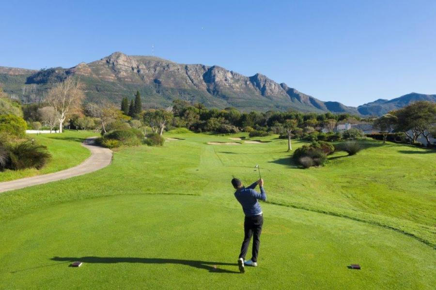 14th hole at Steenberg
